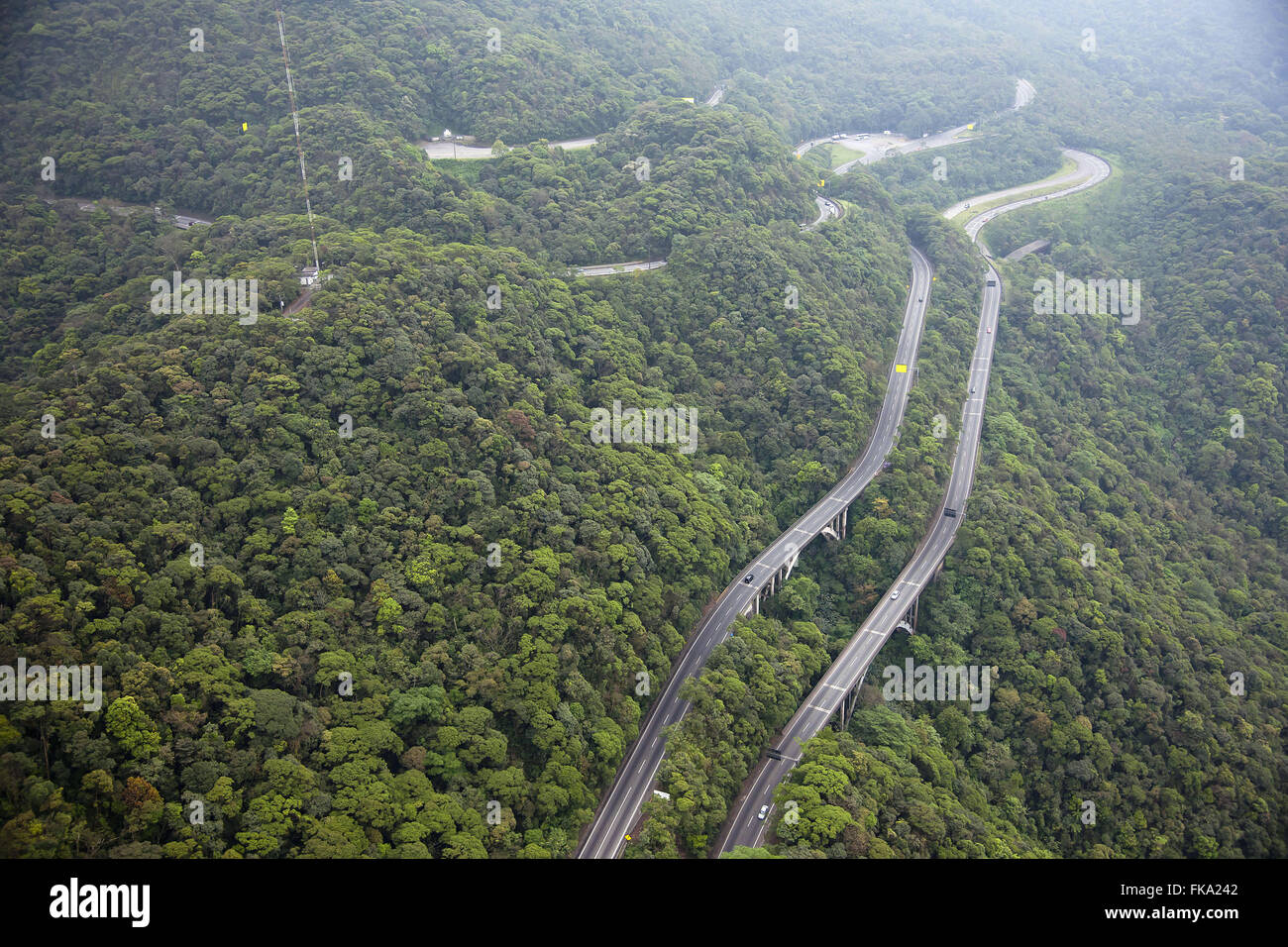 Aerial view of the Via Anchieta SP-150 in the Serra do Mar - Stock Image