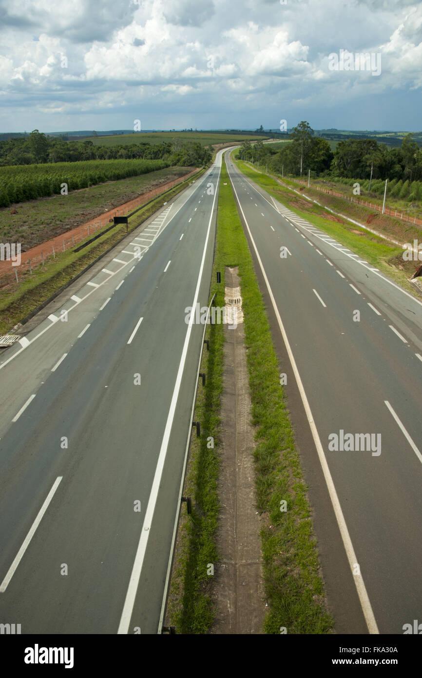 Motorway Professor Francisco da Silva Pontes - SP-127 - between Itapetininga and Capao Bonito - Stock Image