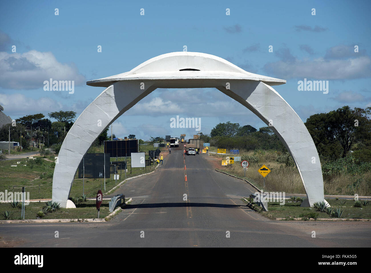 Gateway to the city in the shape of a flying saucer in the GO-118 in this section also called BR-010 - Stock Image
