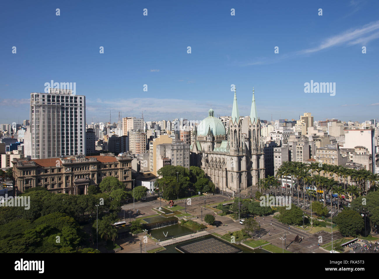 Side and top views of the Metropolitan Cathedral in Sao Paulo Forum and Praca da Se - Stock Image