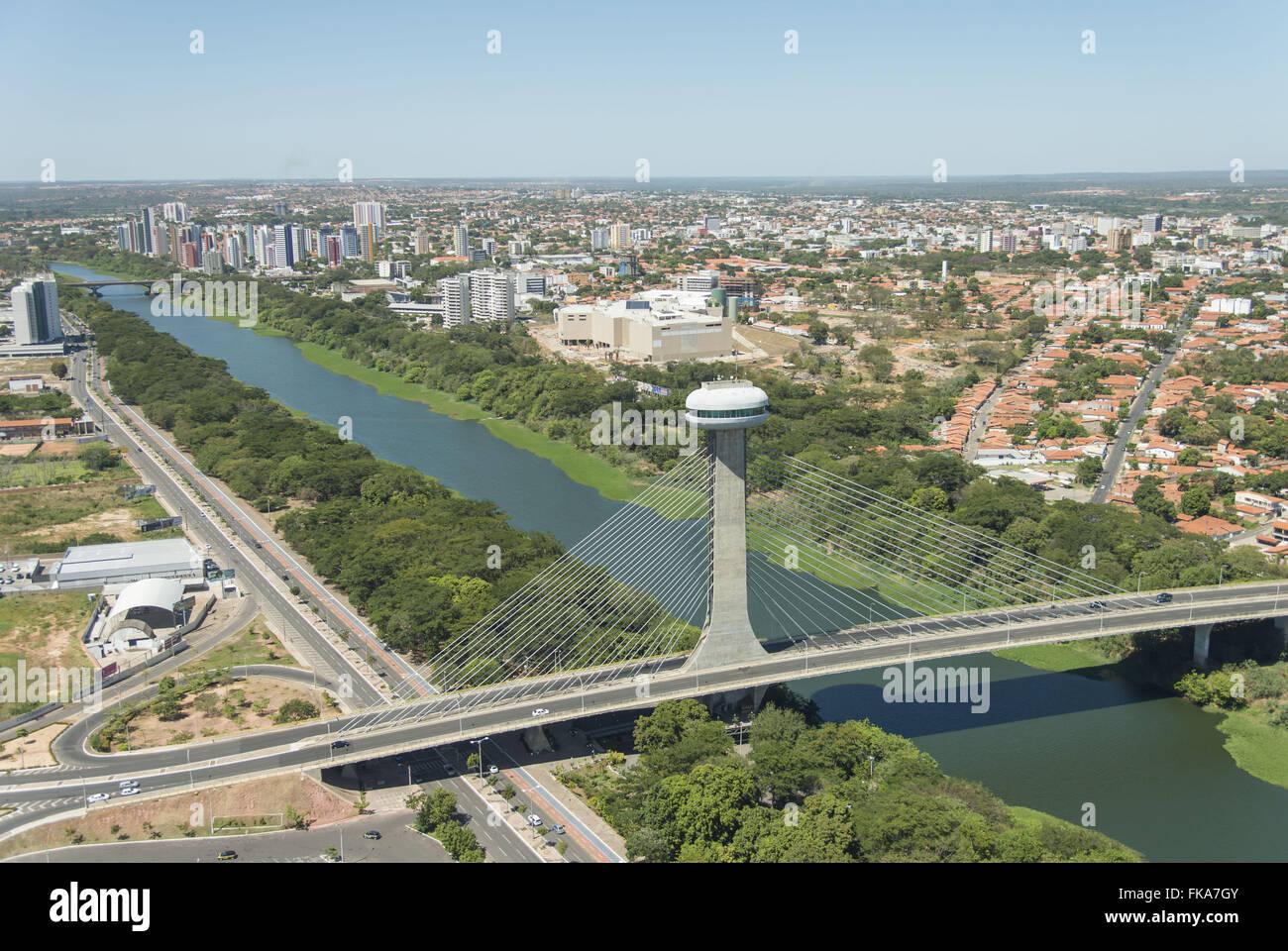 Ponte Estaiada Mestre João Isidoro França cruza o Rio Poti - Stock Image