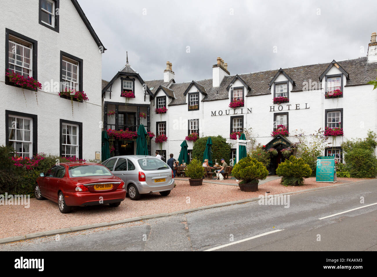 The Moulin Hotel in the village of Moulin just  outside the town of Pitclochry in Perthshire, Scotland. - Stock Image