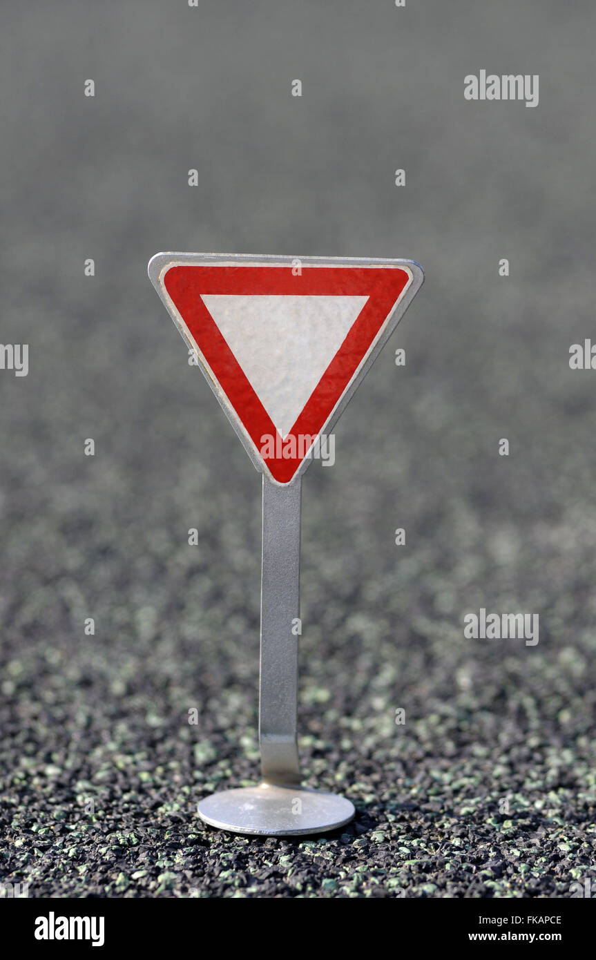 symbol, indication, sign, traffic, road,yield, give way, make way, give the right of way - Stock Image