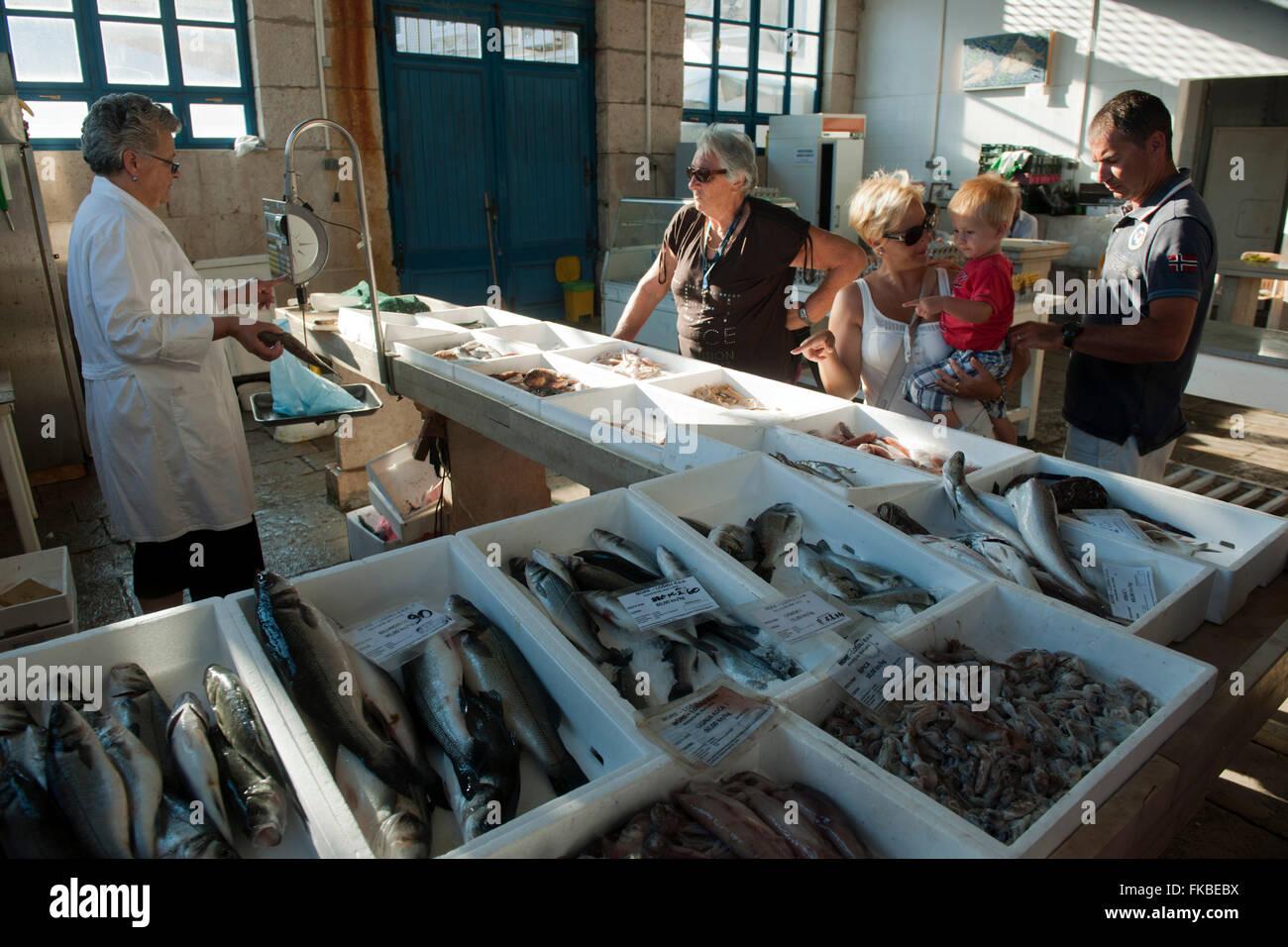 Kroatien, Insel Losinj, Mali Losinj, Fischmarkt - Stock Image