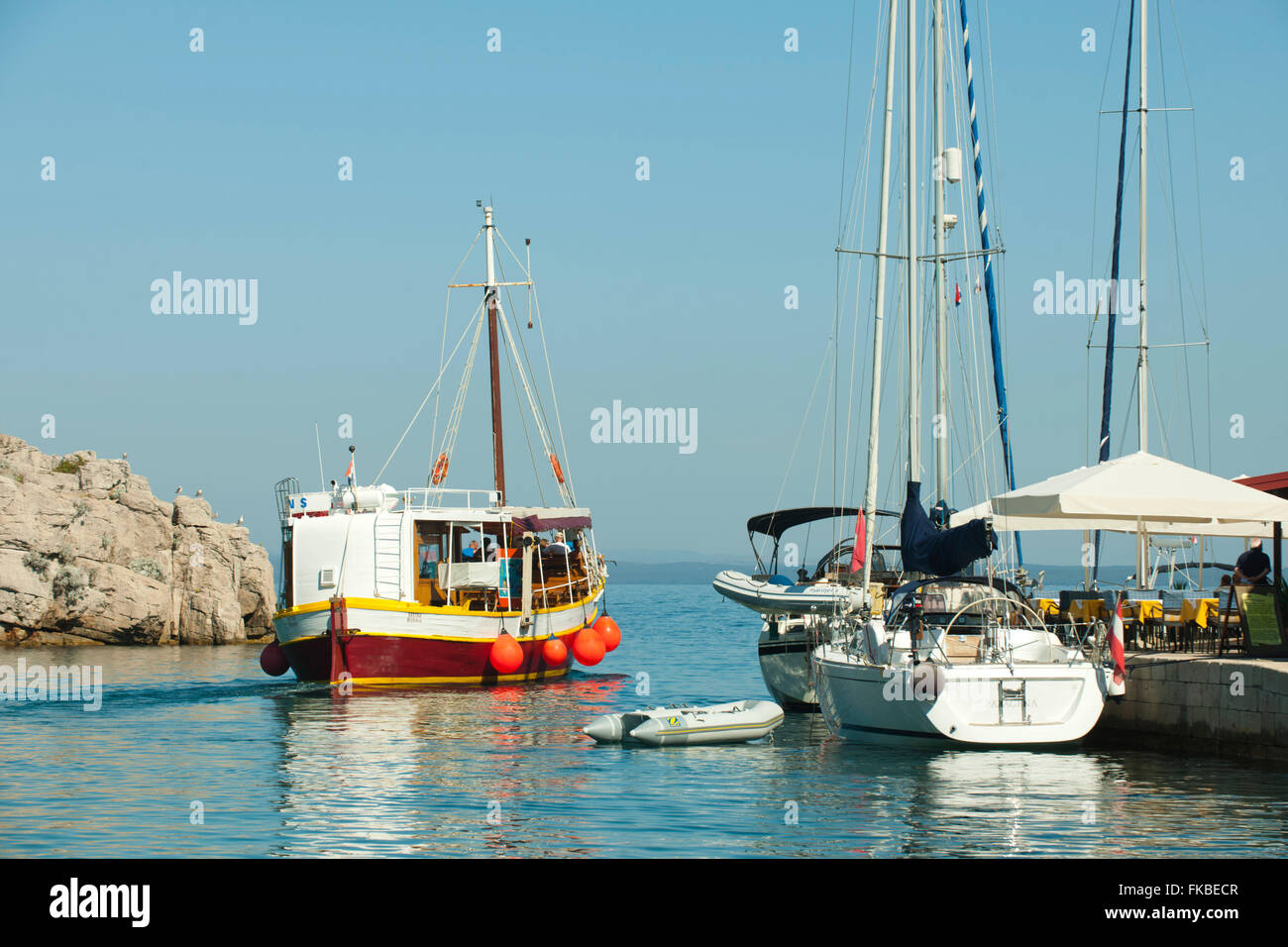 Kroatien, Insel Losinj, Veli Losinj, Hafenausfahrt Stock Photo