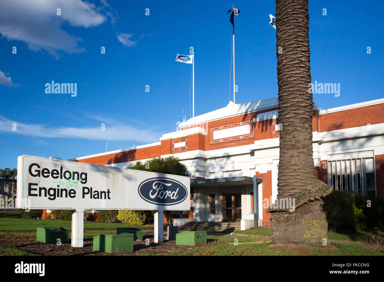 Ford Dealership Detroit Lakes >> Ford Cargo Stock Photos & Ford Cargo Stock Images - Alamy