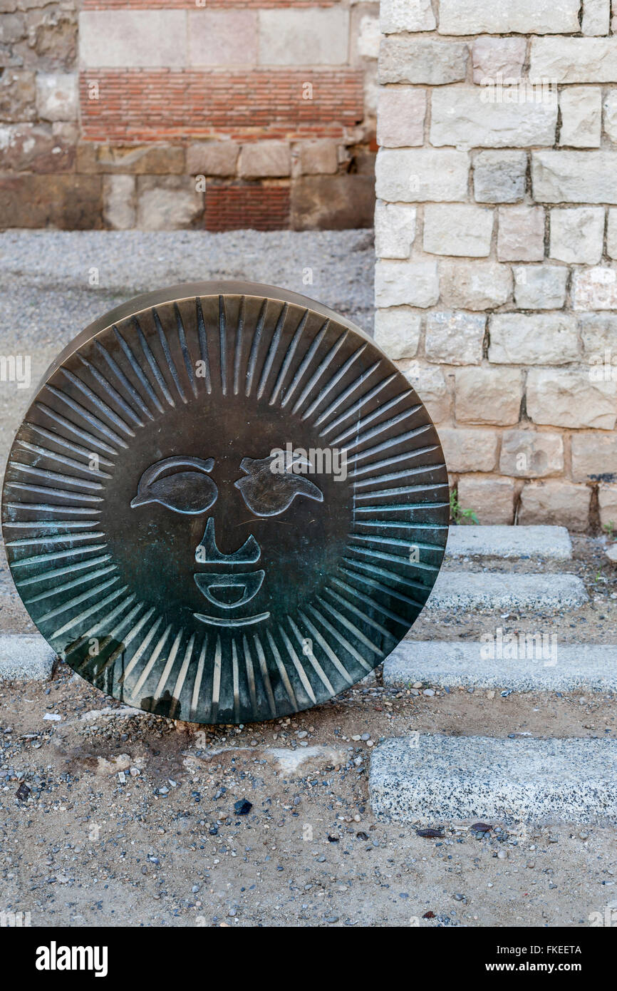 Urban art, 'Barcino', detail work, letter O of Barcino, by Joan Brossa, close to cathedral. Barcelona. - Stock Image