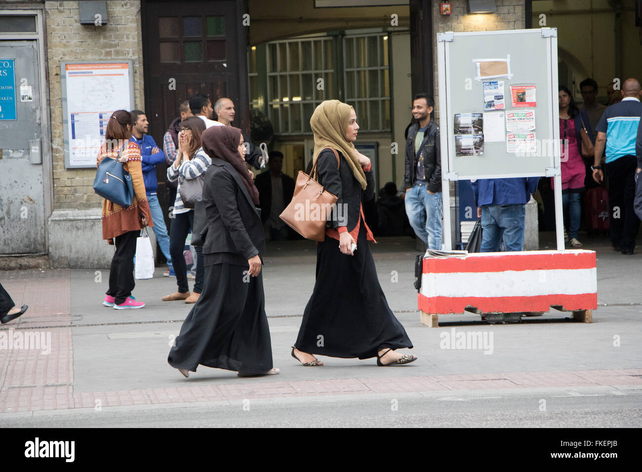 muslim women headscarf immigration migration - Stock Image