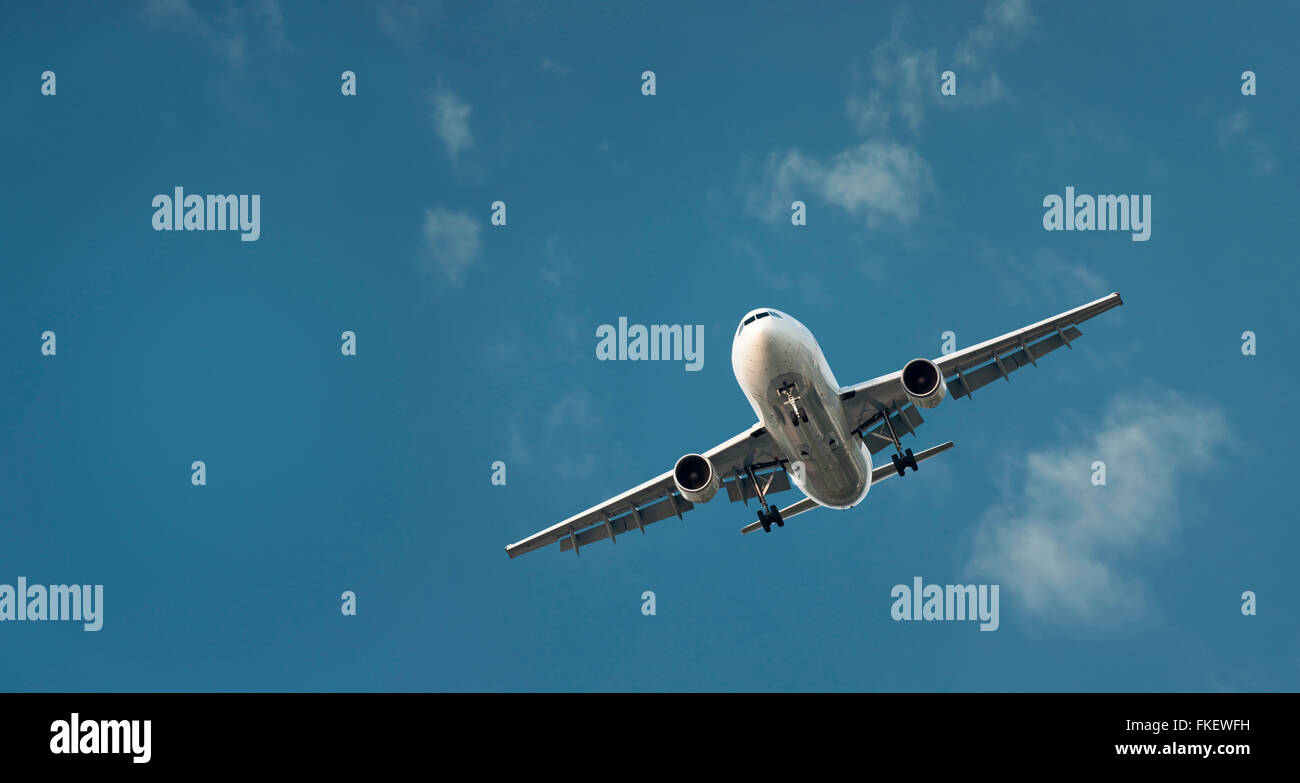 Large Commercial Airliner Coming In To Land - Stock Image