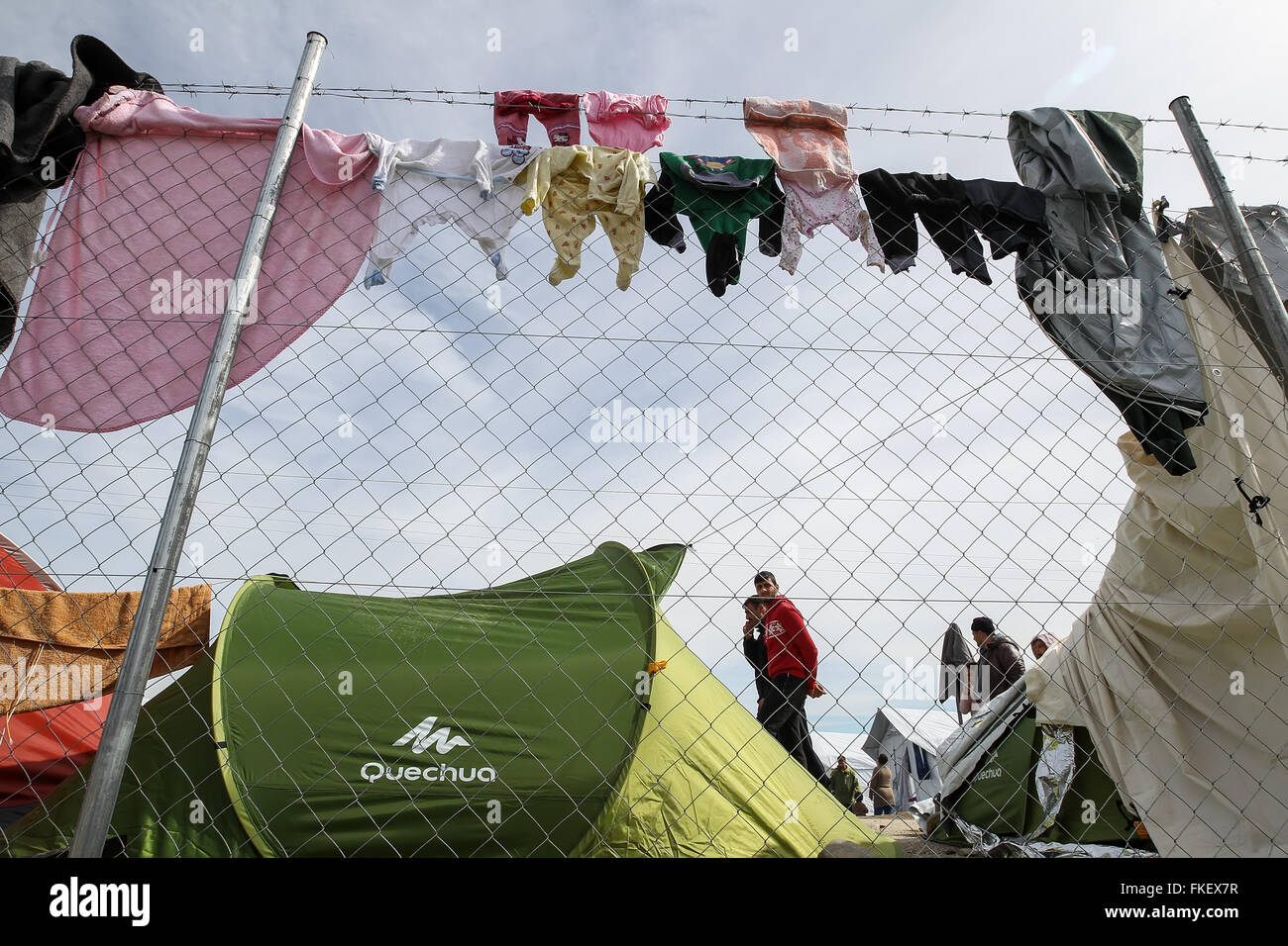Idomeni, Greece. 8th March, 2016.Thousands of immigrants are in a wait at the border between Greece and FYROM waiting - Stock Image