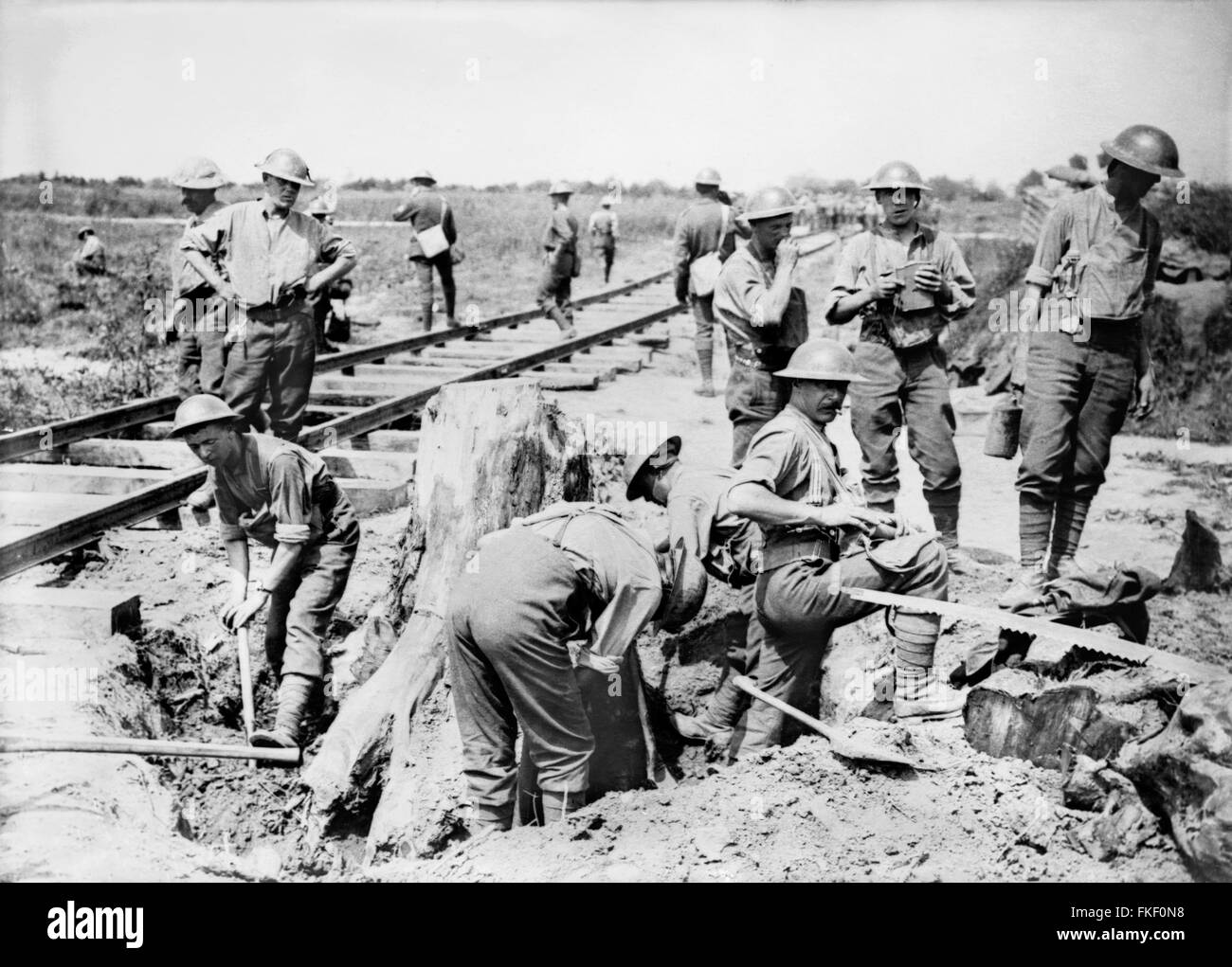 Ypres, WWI. British soldiers laying a light railway line near Boesinghe, Belgium, during the Battle of Passchendaele - Stock Image