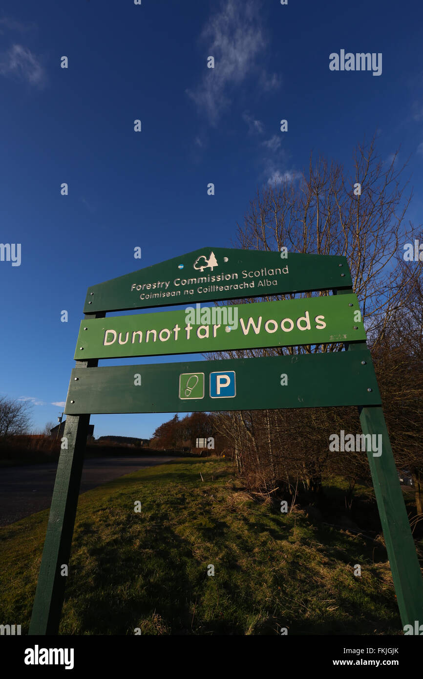 Sign at the entrance to the Dunnottar Woods in Stonehaven in Aberdeenshire, Scotland, UK - Stock Image
