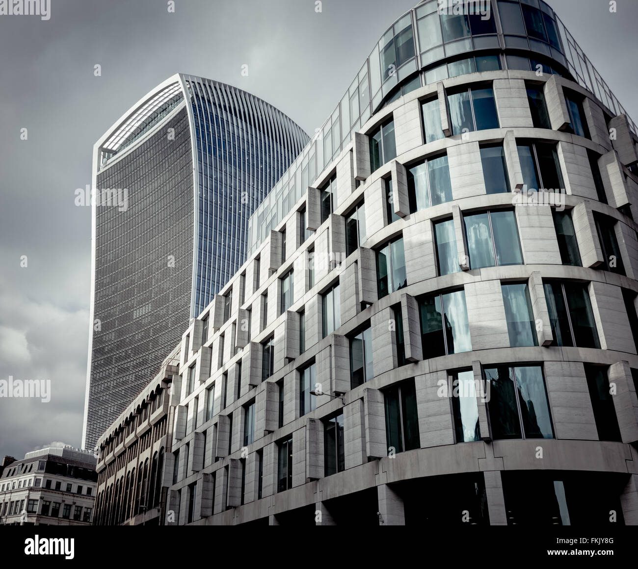Modern London architecture featuring the Plantation Place South (60 Great Tower Street) and 20 Fenchurch St (Walkie - Stock Image