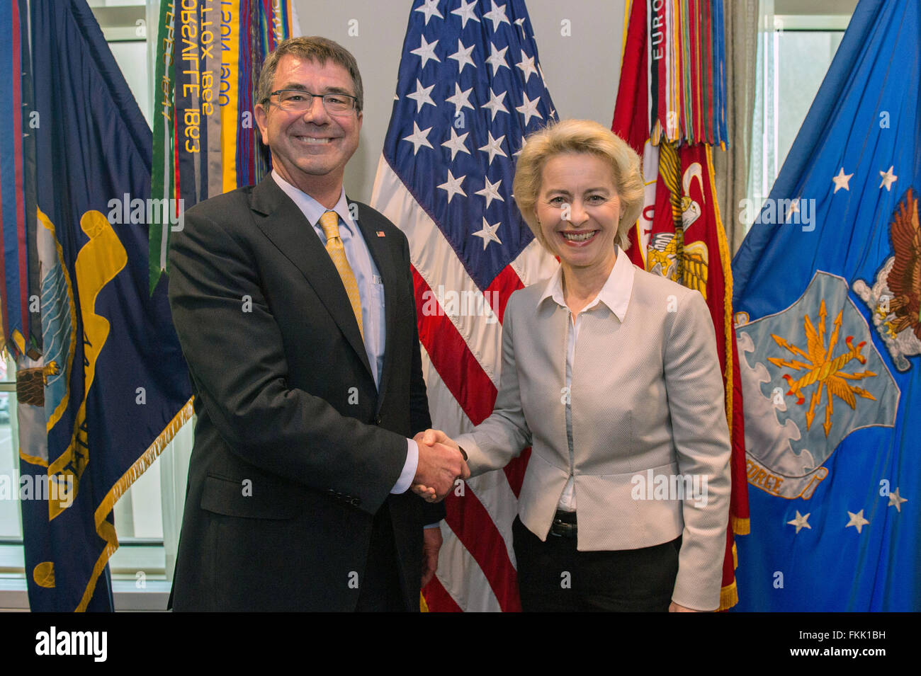 U.S Secretary of Defense Ash Carter shakes hands with German Minister of Defence Ursula von der Leyen before their - Stock Image