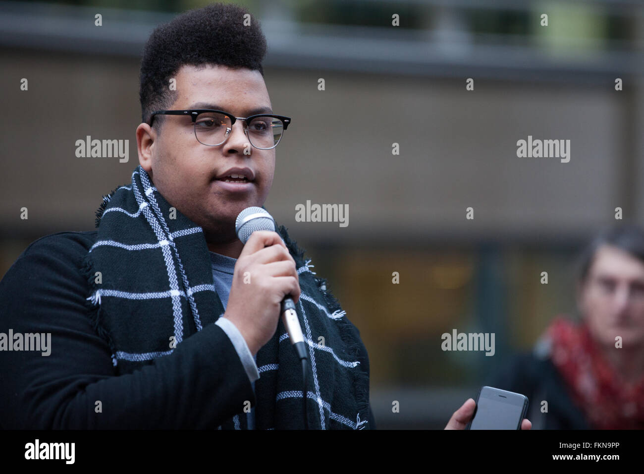 London, UK. 9th March 2016. Wael of Defend The Right To Protest speaks at the protest outside the Home Office calling - Stock Image