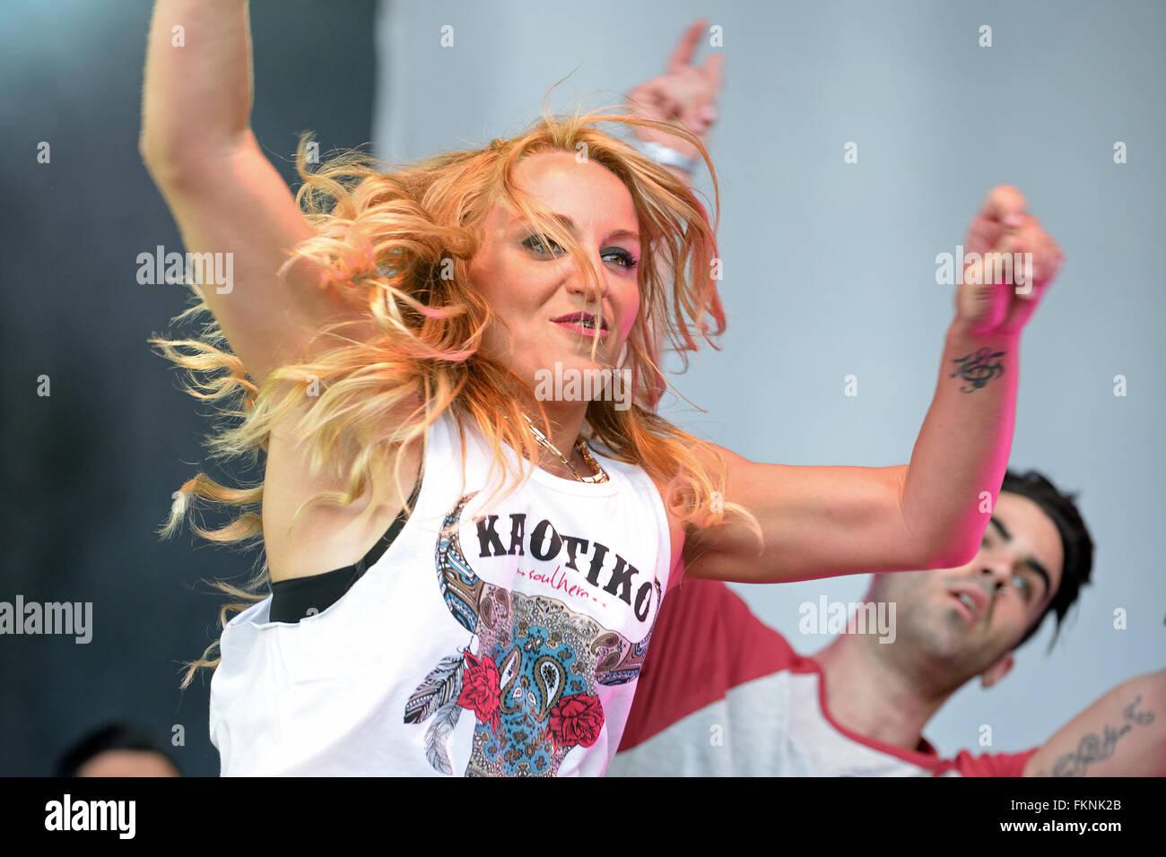 BARCELONA - MAY 23: Woman dancing a choreography at the Primavera Pop Festival of Badalona. - Stock Image