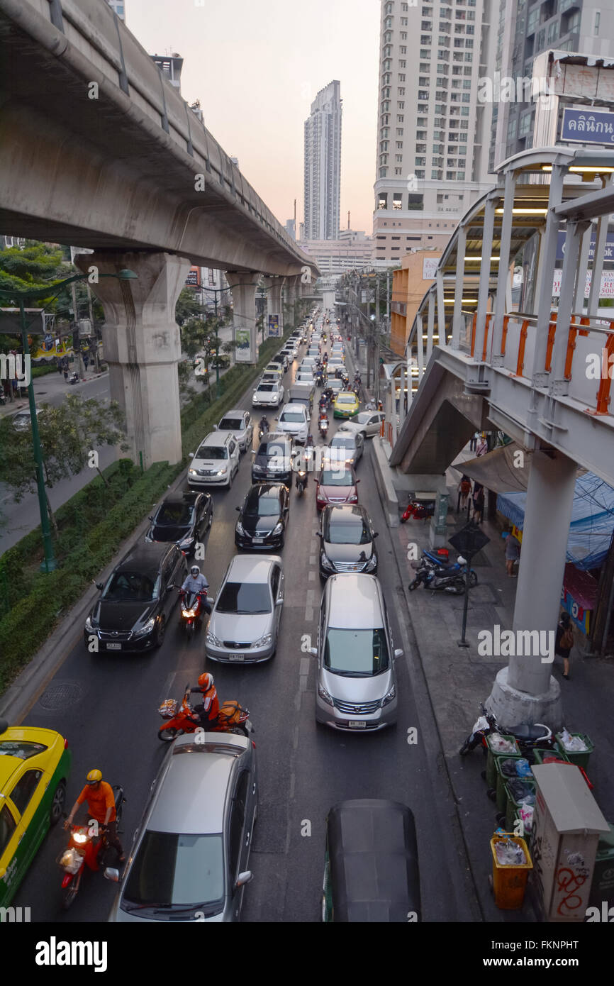 Bangkok, Thailand - January 3, 2016: Sukhumvit Road view of busy traffic from Thong Lo BTS sky train station - Stock Image