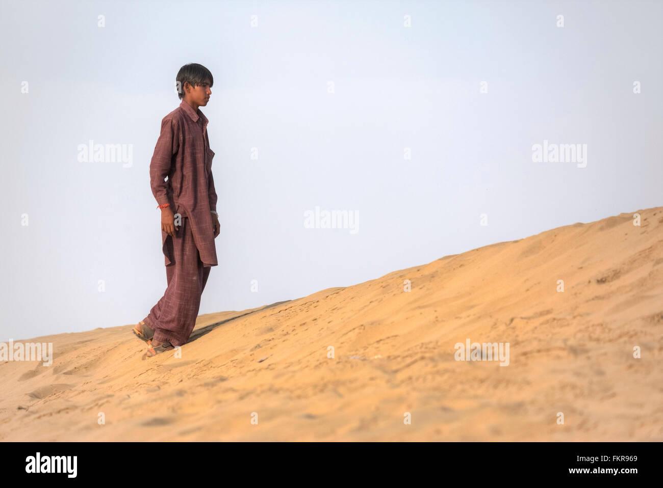 Nomadic boy in the Thar desert, Rajasthan, India - Stock Image
