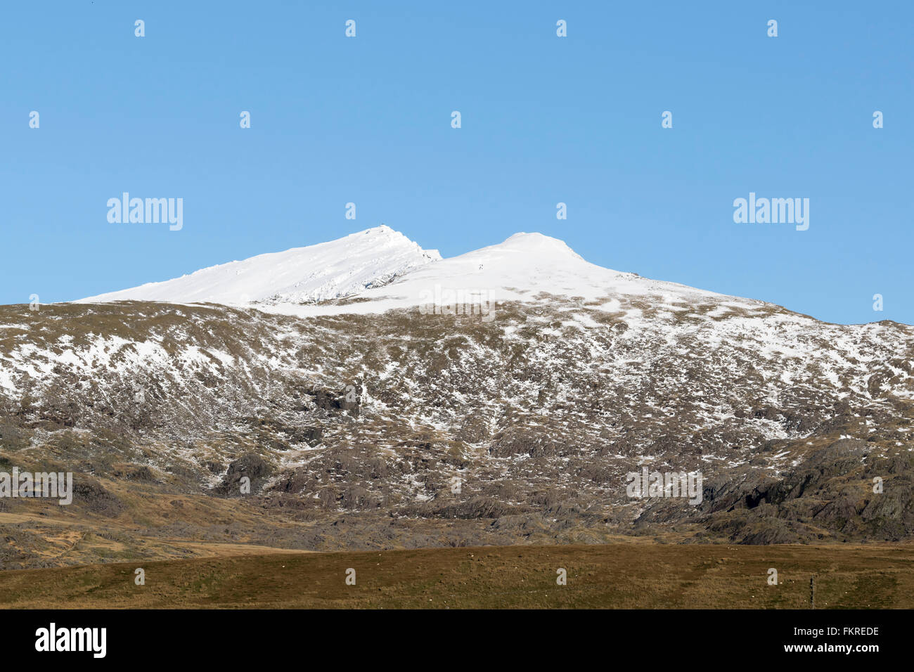 Yr Wyddfa or Snowdon mountain with Bwlch Main to the right Stock Photo