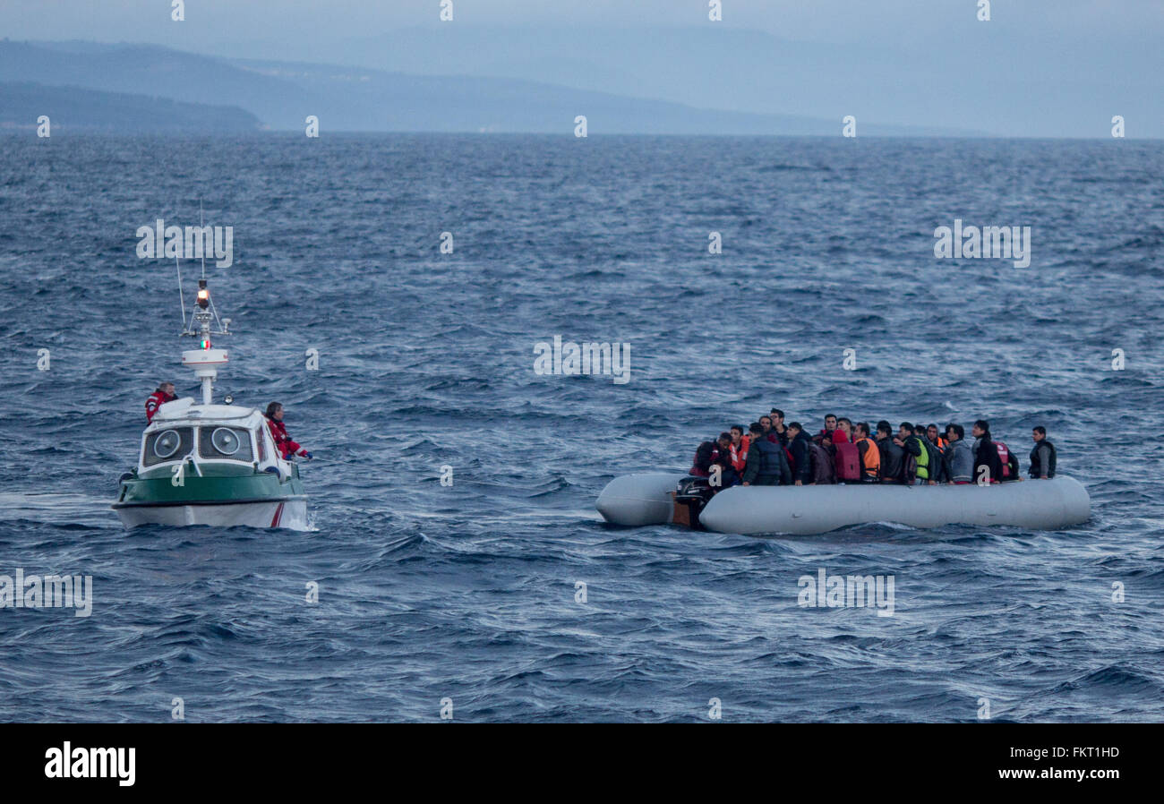 Mytilini, Greece. 10th Mar, 2016. The daughter boat of the rescue cruiser Minden approaches a refugee boat on the Stock Photo