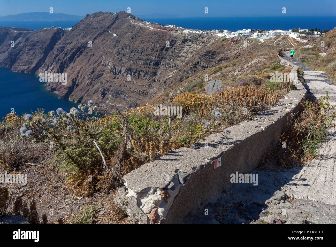 The path from Imerovigli to Oia, Santorini, Greek Islands, Cyclades, Greece - Stock Image