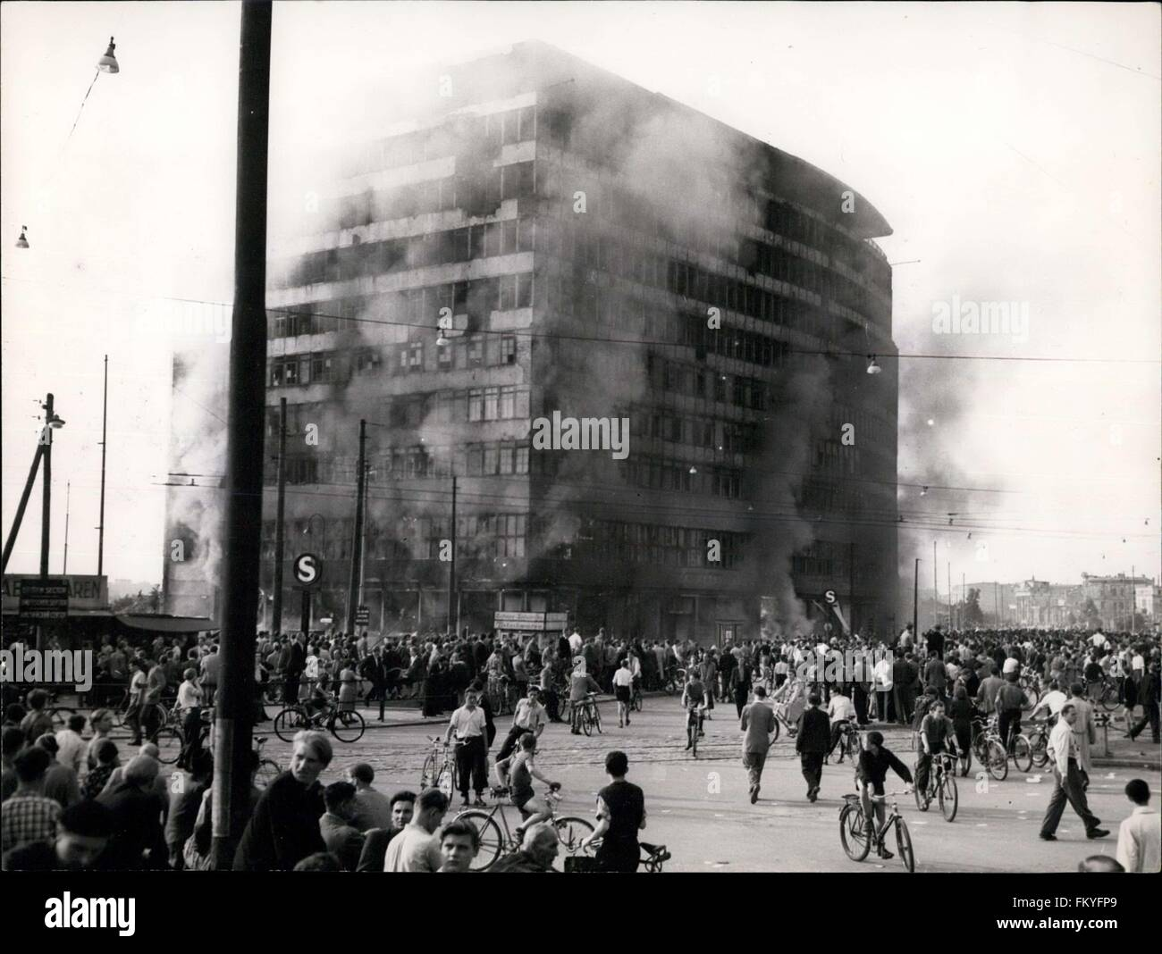 1953 - HO-Building in Eastern Berlin Burns own