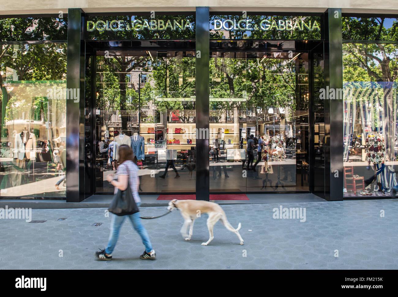 Dolce & Gabbana store at Passeig de Gracia avenue in Barcelona, Spain - Stock Image