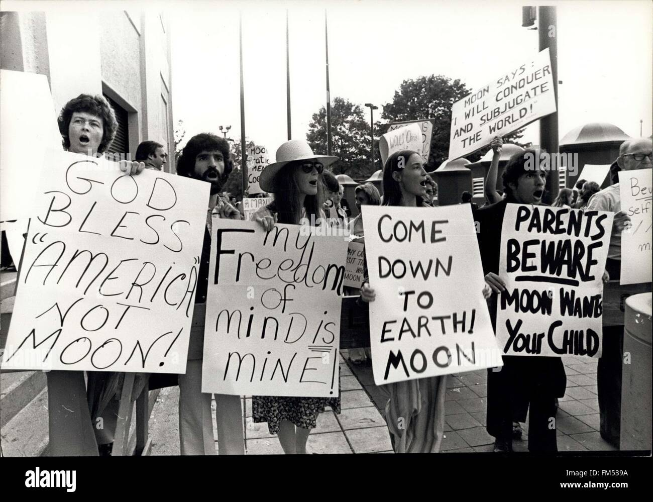 1982 - Cult Moonies © Keystone Pictures USA/ZUMAPRESS.com/Alamy Live News Stock Photo