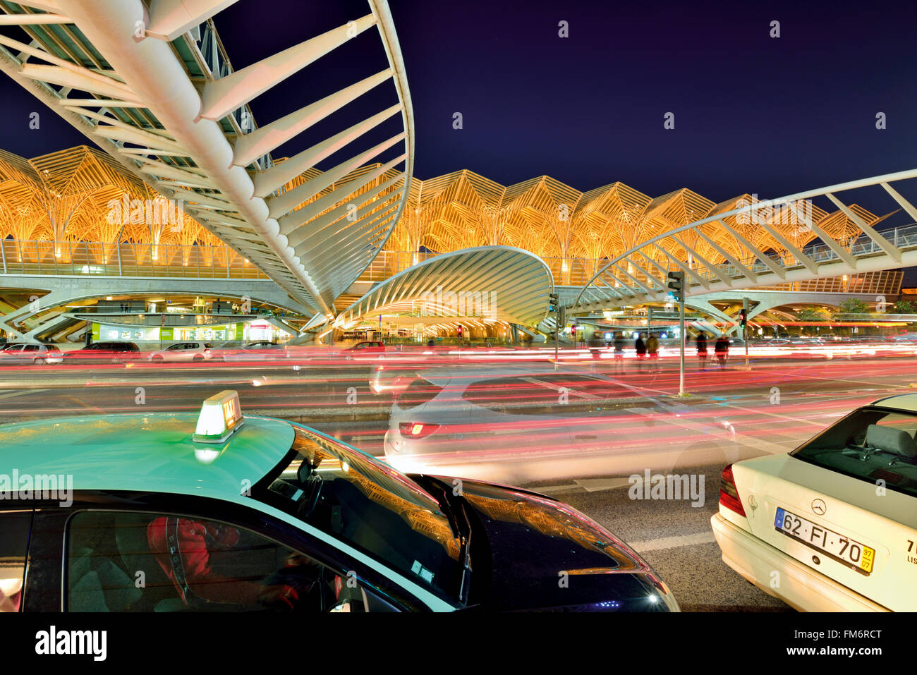 Portugal, Lisbon: Nocturnal movement at the station Garé do Oriente - Stock Image