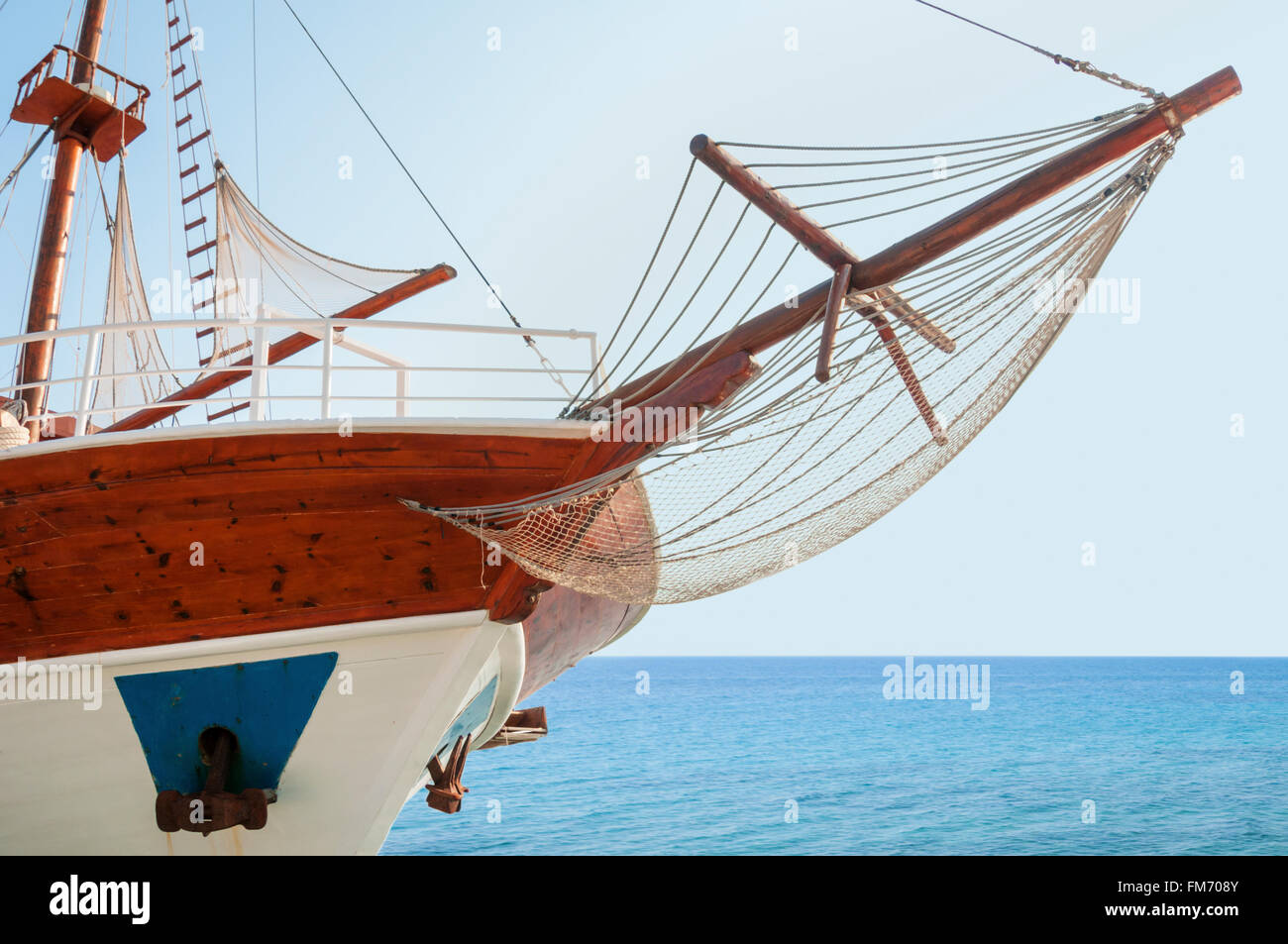 Wooden cruising yacht's bow - Stock Image