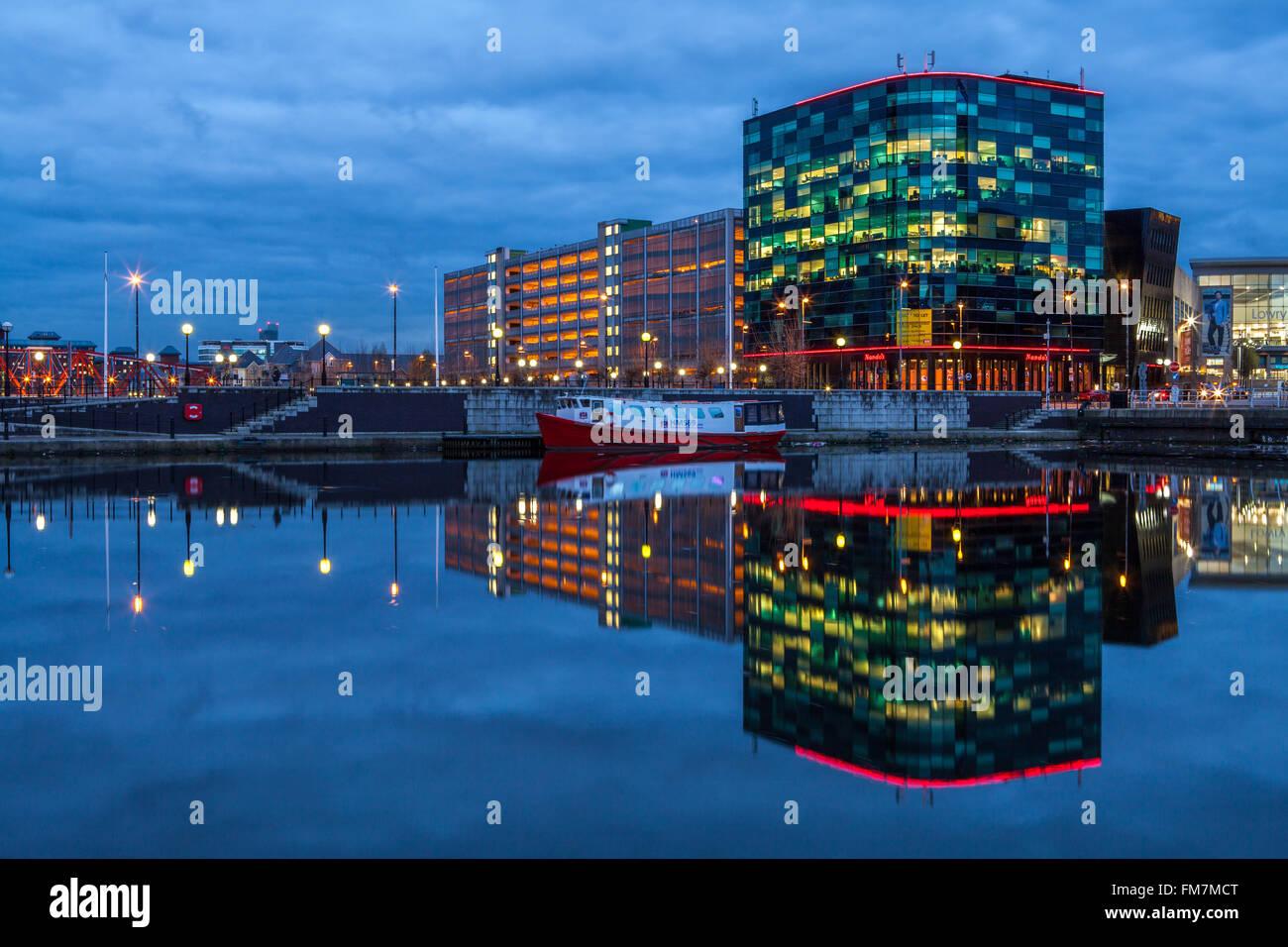 Dusk, Salford Quays, Manchester, Lancashire, England - Stock Image