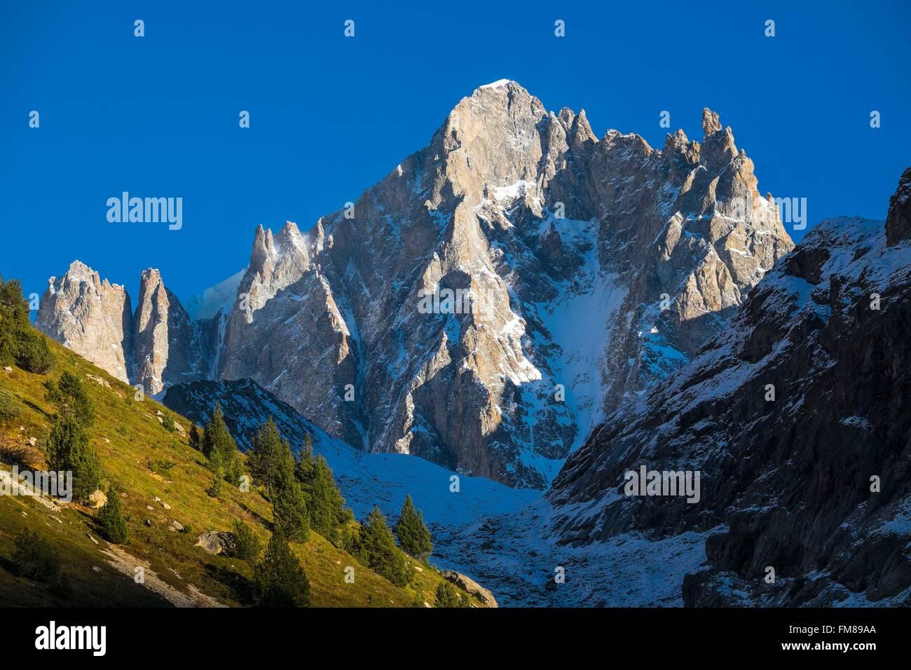 France, Isere, Ecrins National Park, Saint Christophe en Oisans, Dome de Neige des Ecrins (alt : 4 015 m) - Stock Image