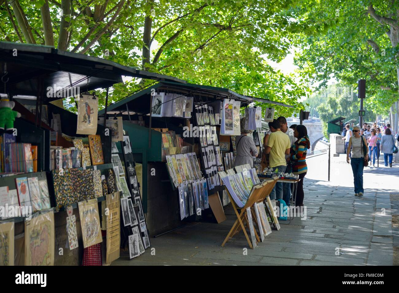 France, Paris, Quay of Gesvres, secondhand booksellers' workshops on a pavement - Stock Image