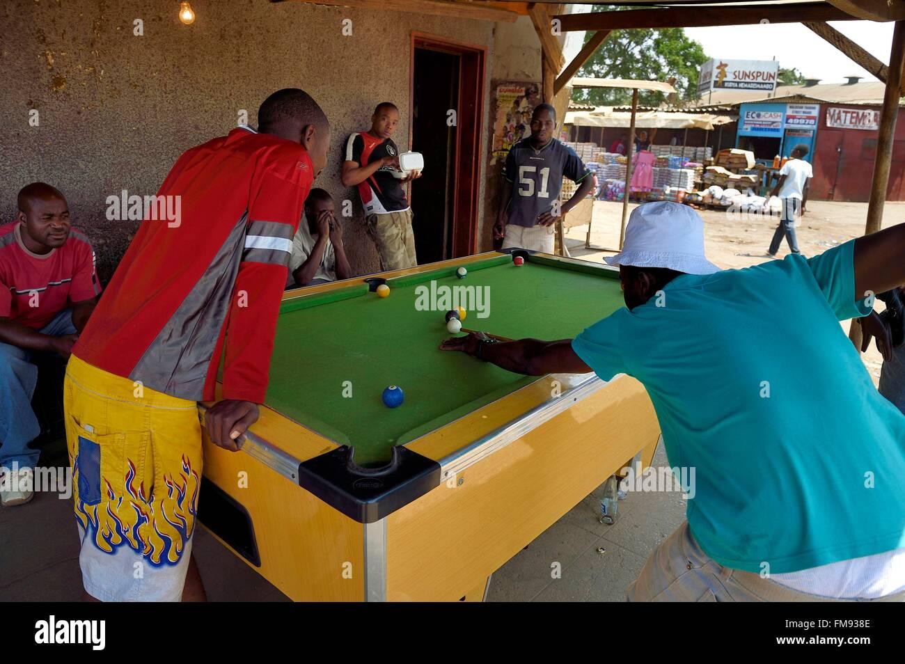 Zimbabwe, Harare, Mbare market, pool players - Stock Image