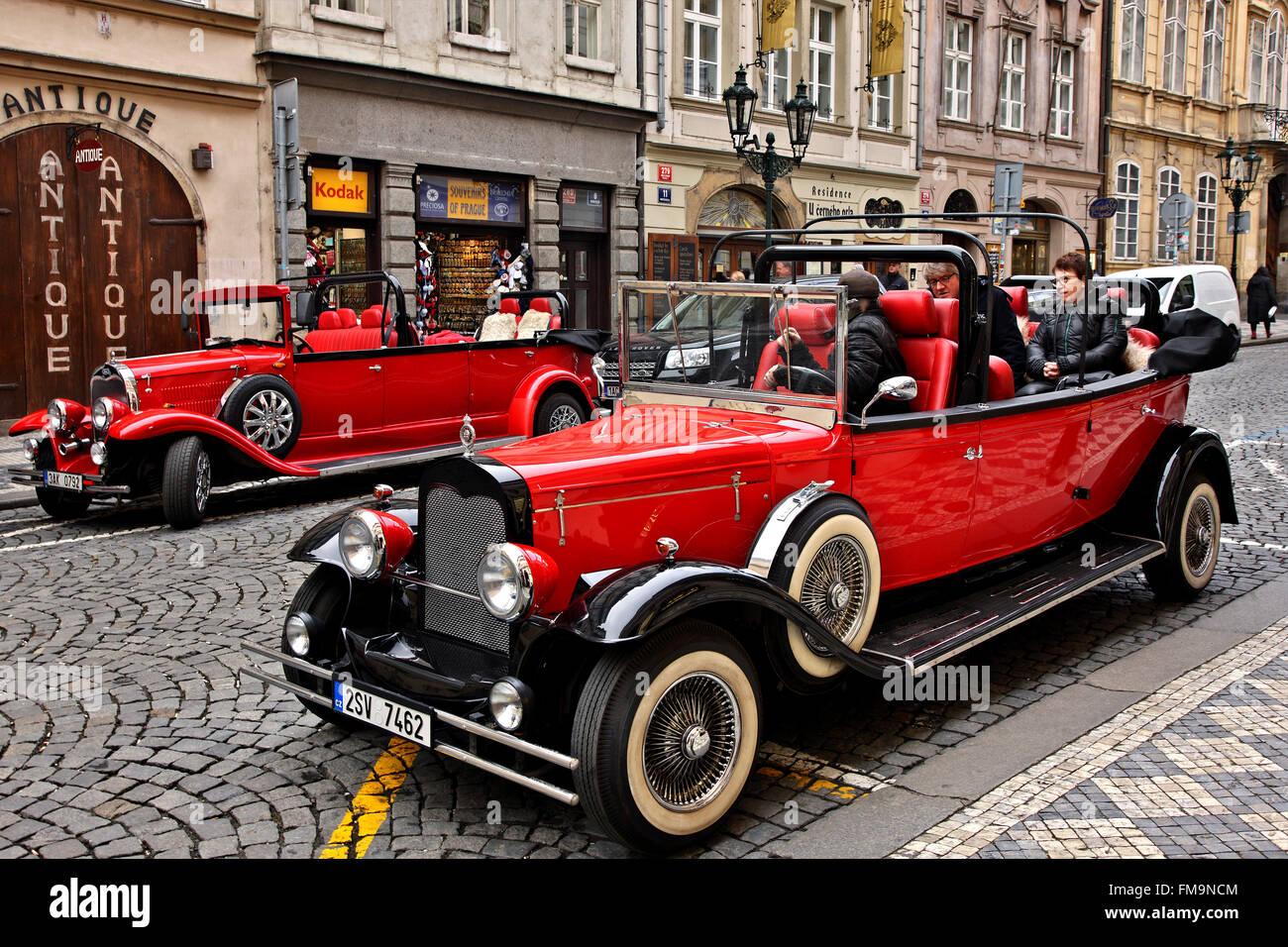 Old Prague cars in Mala Strana (\