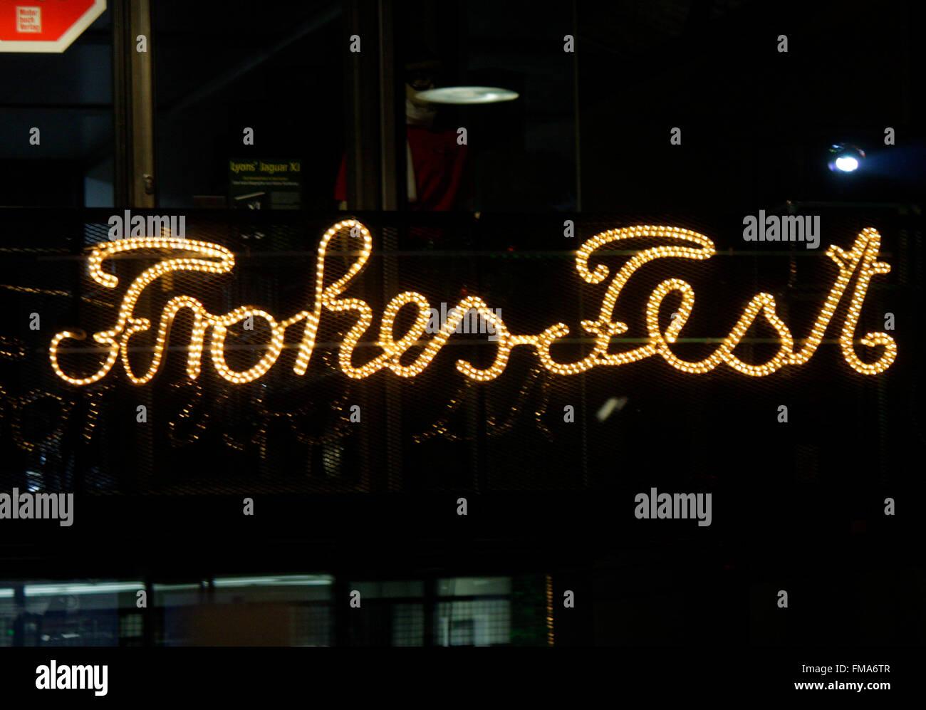 Weihnachtsdekoration: 'Frohes Fest', Dezember 2013, Berlin. - Stock Image