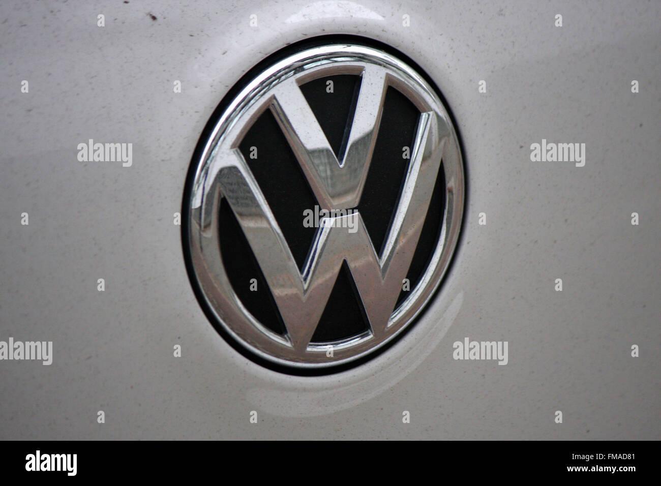 Markenname: 'VW - Volkswagen', Dezember 2013, Berlin. - Stock Image