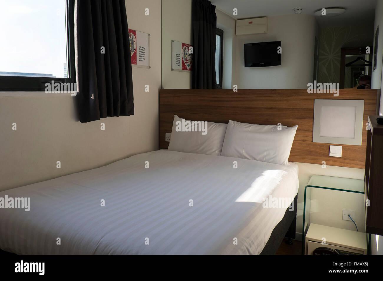 Tune Hotel Stock Photos & Tune Hotel Stock Images - Alamy