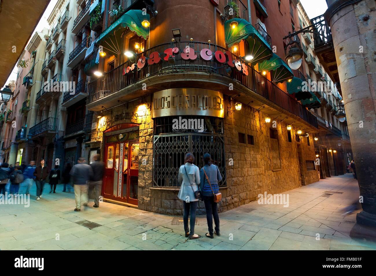 Spain, Catalonia, Barcelona, Barcelona 's street by night - Stock Image