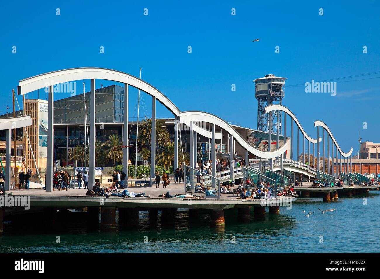 Spain, Catalonia, Barcelona, Rambla del Mar Footbridges by architects Helio Pinon and Albert Viaplana near Port - Stock Image