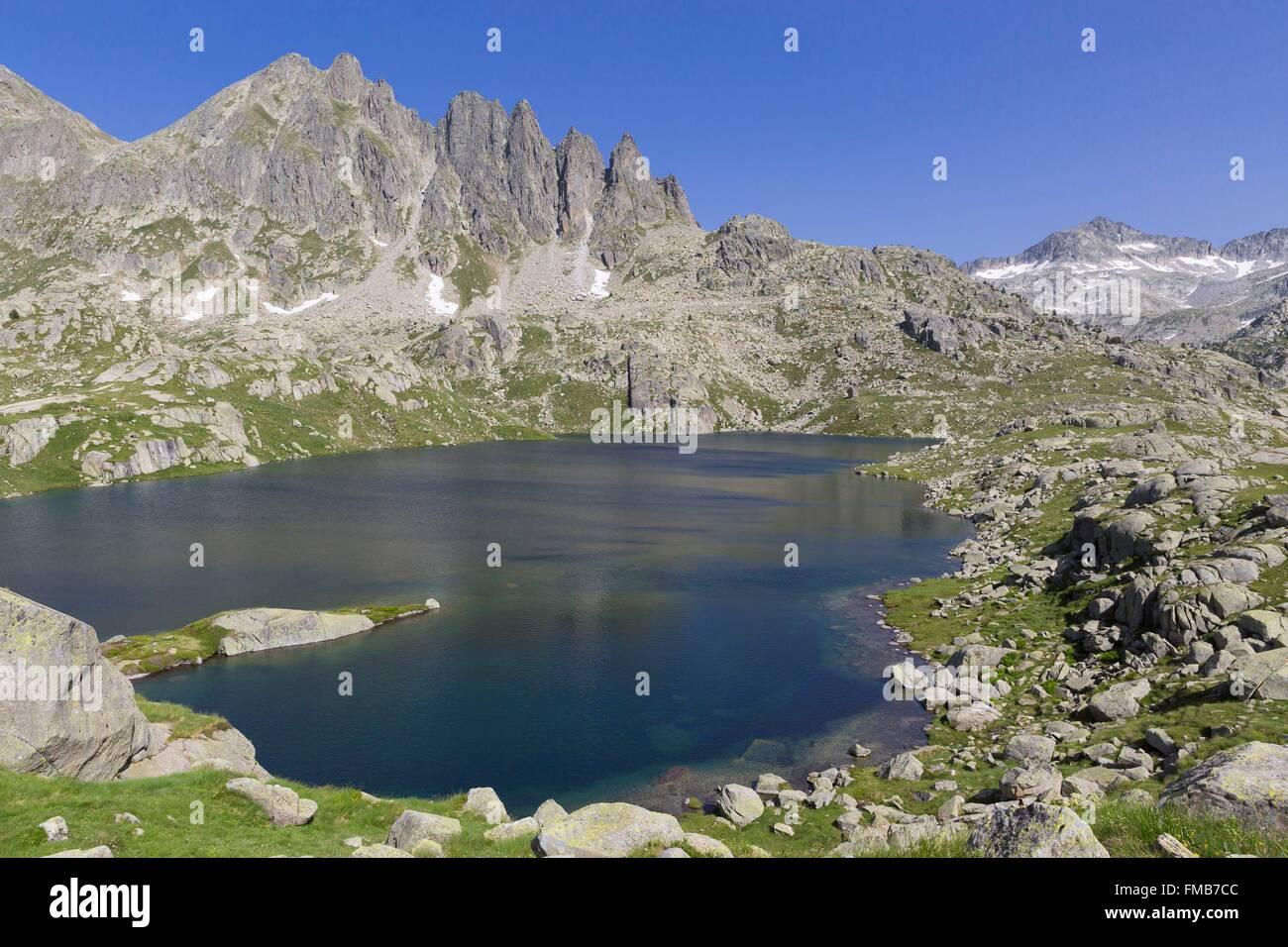 Spain, Catalonia, Val d'Aran, Arties, Aigüestortes i Estany de Sant Maurici National Park, Travessani lake - Stock Image