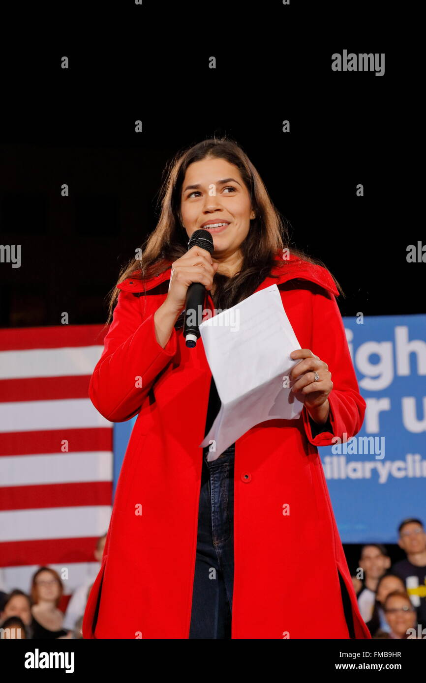 Actress America Ferrera speaks to a Hillary Clinton campaign rally at the Clark County Government Center Amphitheater - Stock Image