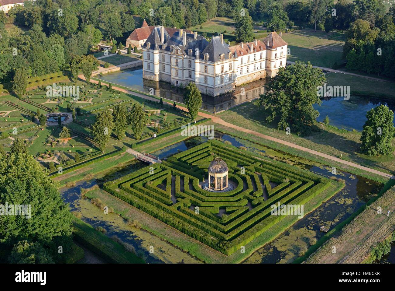 Aerial View Garden Labyrinth Hedge Stock Photos & Aerial View Garden on