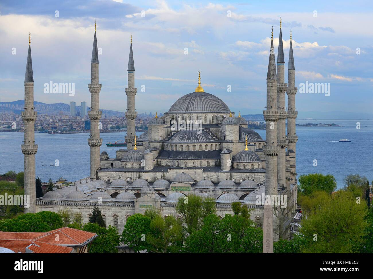 Turkey, Istanbul, the blue mosque dominates the golden horn and the Sea of Marmara - Stock Image