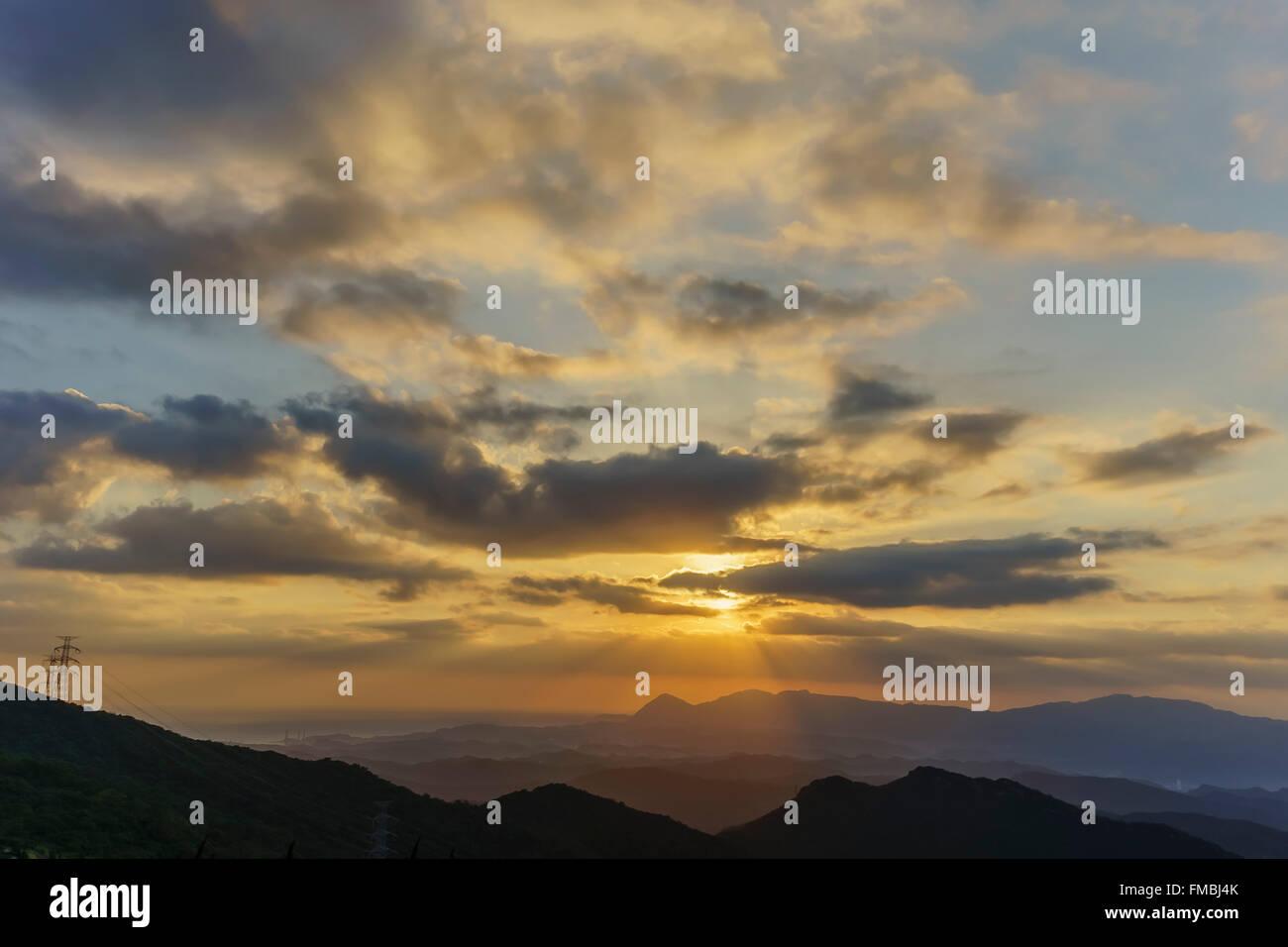 Sun rise at five finger mountain of Taipei, Taiwan - Stock Image