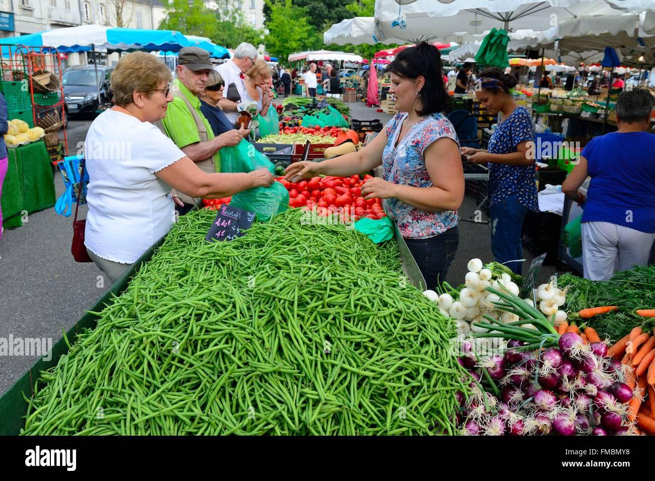 France, Indre et Loire, Tours, Halles market, vegetables - Stock Image