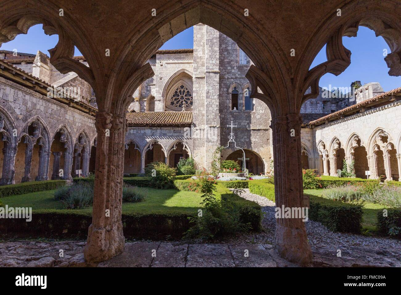 France, Gers, La Romieu, stop on the Way of St James, listed as World Heritage by UNESCO, the cloister of the collegiate - Stock Image