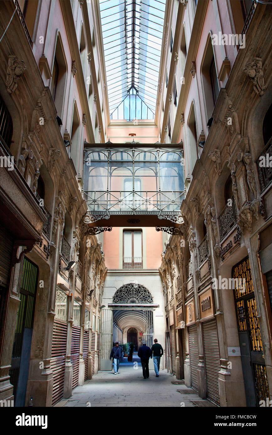Spain, Catalonia, Barcelona, old street of Barcelona - Stock Image