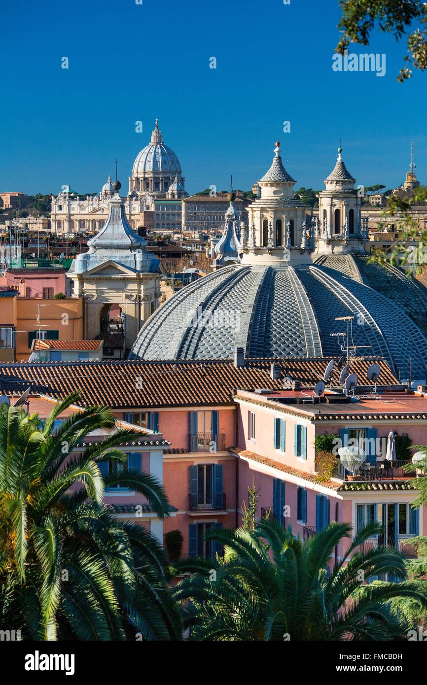 Italy, Lazio, Rome, historical center listed as World Heritage by UNESCO, Piazza del Popolo, Saint Peter's Cupula - Stock Image