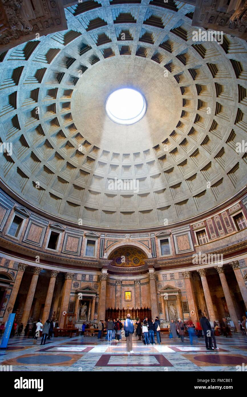 Italy, Lazio, Rome, historical center listed as World Heritage by UNESCO, the Pantheon - Stock Image